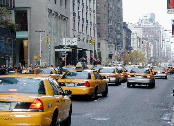les taxis jaunes de new york. Black Bedroom Furniture Sets. Home Design Ideas